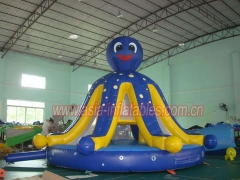 Gorila inflable del pulpo